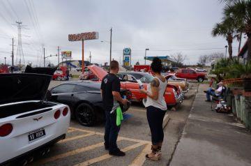 Hooter's Car Show 2014_1