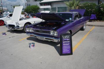 Hooter's Webster Car Show 2014