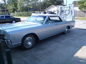 1967 Lincoln Convertible