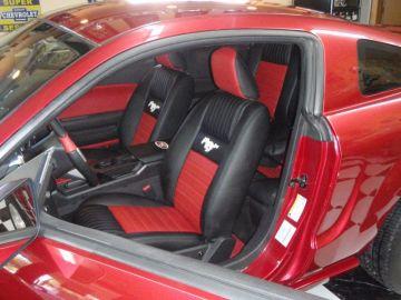 05 Mustang w/ Retro Style Seats