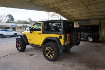 Gator Jeep w/ Yellow Stitch