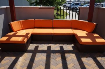 Apartment & Hotel Outdoor Seating