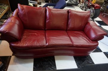 Red Leather Couch_5